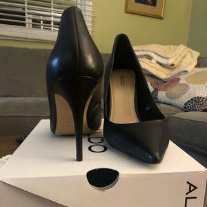 Black Aldo pointy toe stilettos